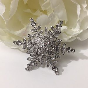 ST JOHN Snowflake Pin/ Necklace Slide